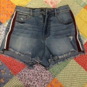 Rewash cutoff shorts